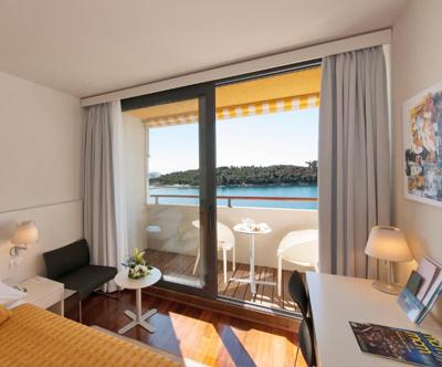 Oddih na otocku Sv. Andrije v Island Hotelu Istra 4*