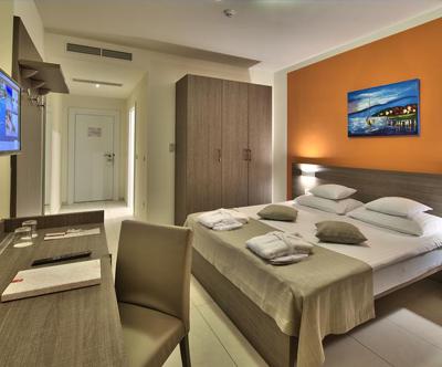 Crvena Luka Hotel 4*, Biograd: mega oddih