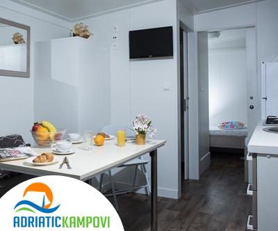 Polno opremljene mobilne hiške kampa Baško Polje