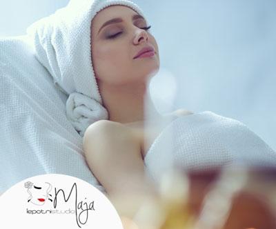 Vrhunska zlata masaža s pilingom (70 min)