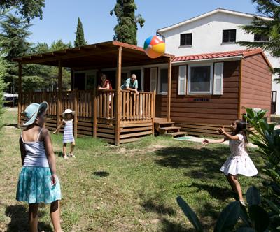 Najem mobilne hiške lux Brioni v kampu Camping Adria!