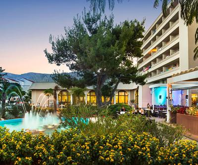 Oddih s polpenzionom v Corinthia Baška Sunny Hotelu 3*
