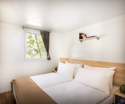 Popoln jesenski oddih za 4 v mobilnih hiškah v Njivicah