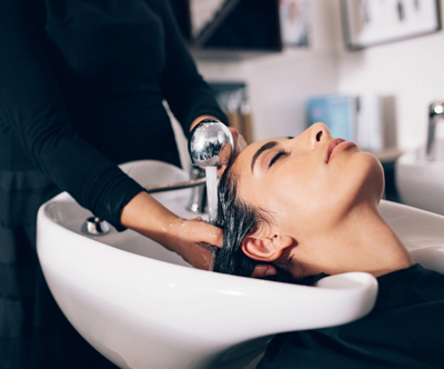 Umivanje, globinska nega, striženje in sušenje las