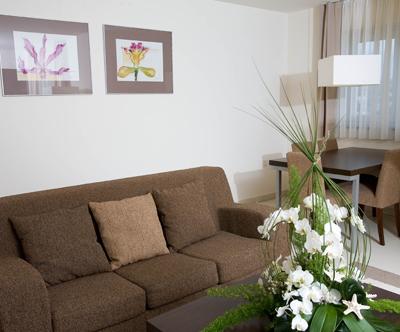 Pobeg na Obalo v apartmaje Residence Marina + kopanje!