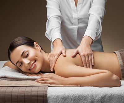 Masaža hrbta v salonu Beauty Time
