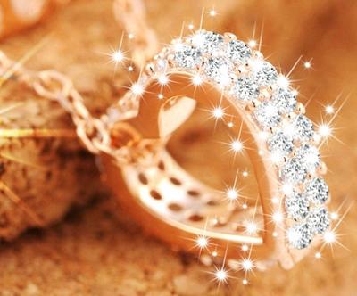 ogrlica brezčasna eleganca