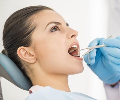 Ultrazvocno cišcenje zobnega kamna, peskanje, poliranje