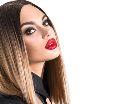 Paket frizerskih storitev z barvanjem za lase do ramen