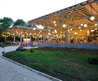 Pine Beach Pakoštane: Boom Club pocitnice za 5 oseb