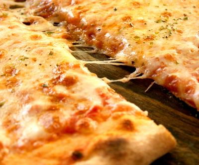 Pizzerija Skok; slastna pica po izbiri -50%