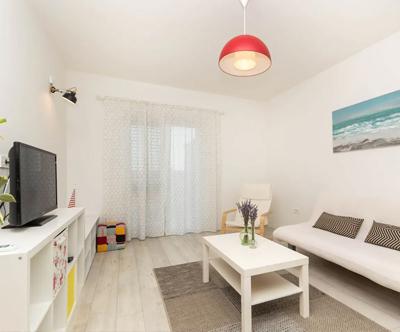 Moderno opremljen apartma, center, Split, nocitev