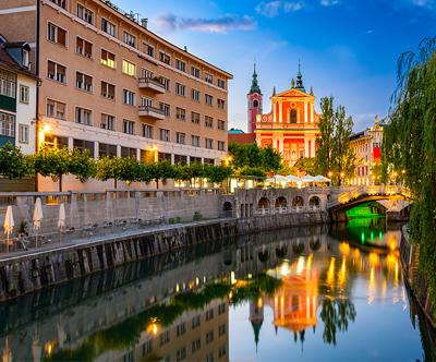 Ladjica Barjanka: vožnja po Ljubljanici