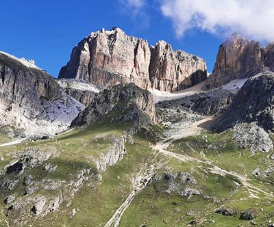 Pohod do tritisočaka Piz Boe, Dolomiti, Italija: izlet
